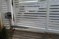 Automatic gate maintenance